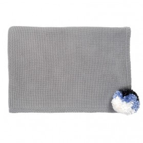 Grey pompom - Knitted blanket