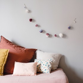 Purple - Pompons garland